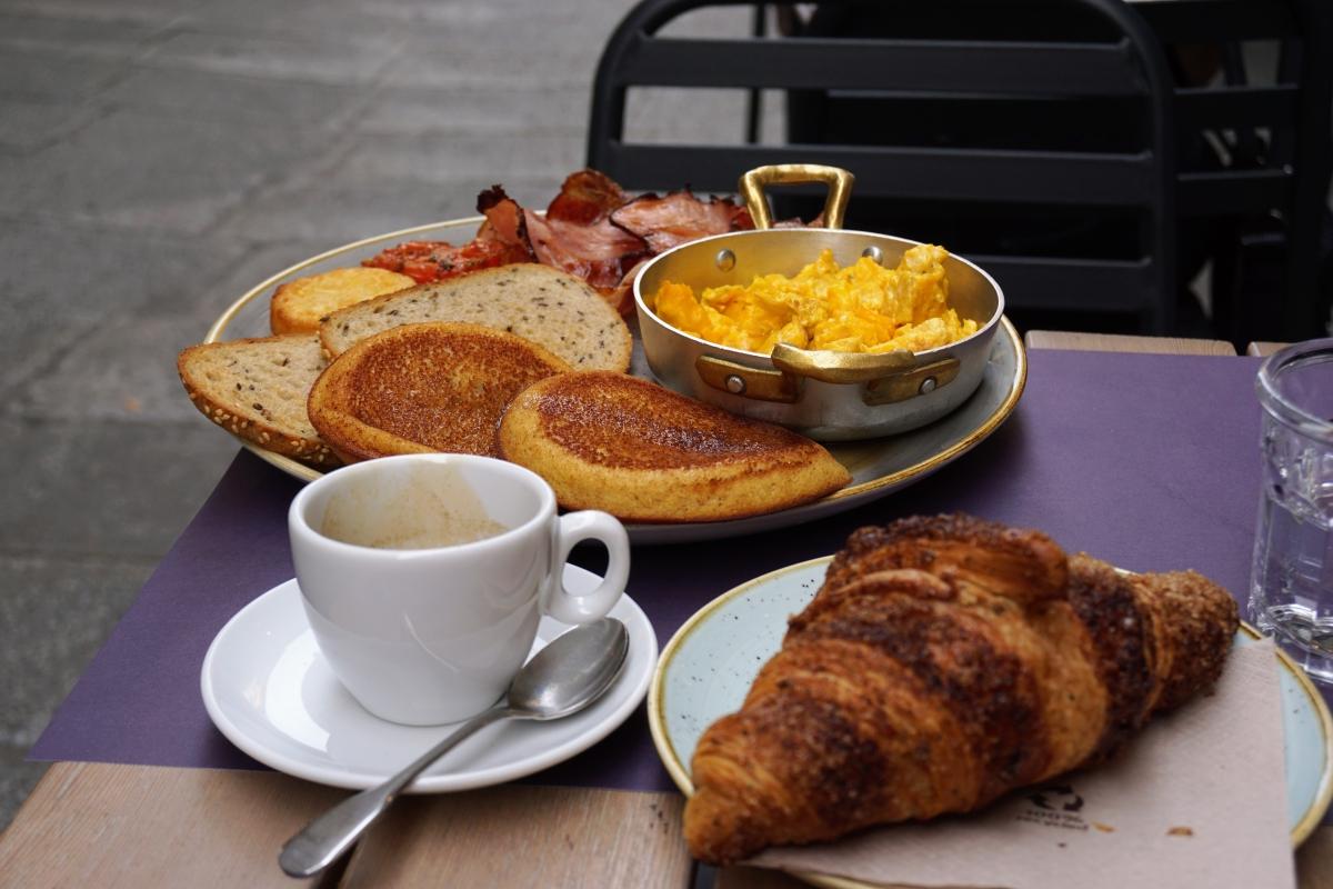 raňajky v bologni
