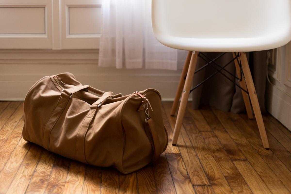 Čo nemôže byť v príručnej batožine a ako sa do nej zbaliť