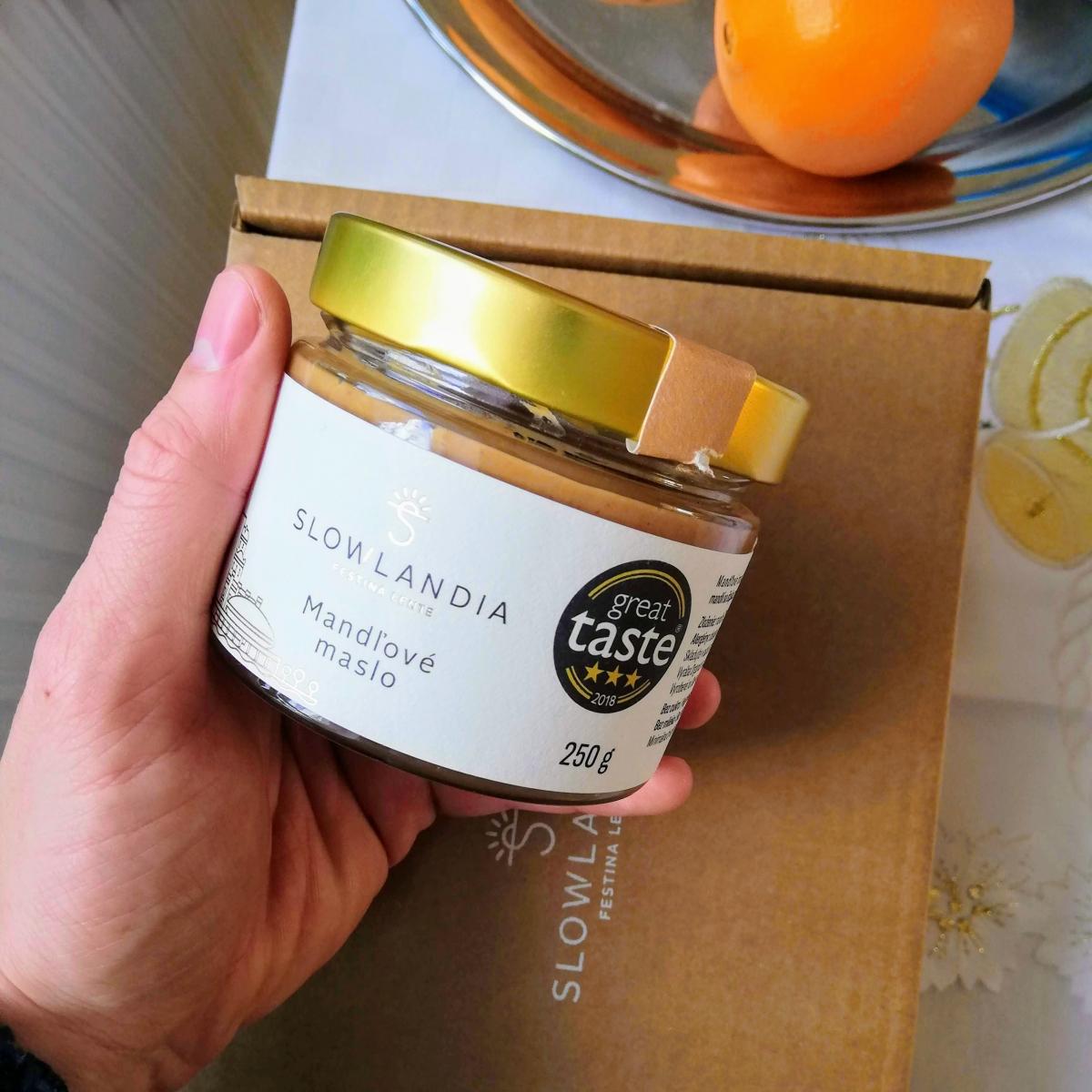 mandľové maslo slowlandia