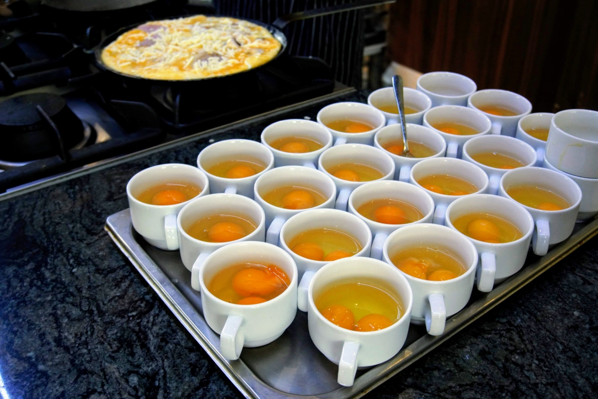 jedlo v permone raňajky a večere