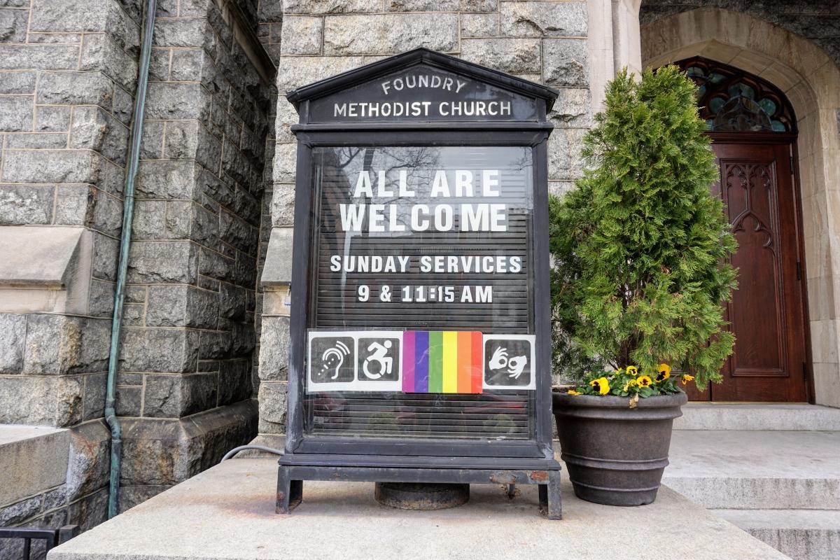 gay kostol