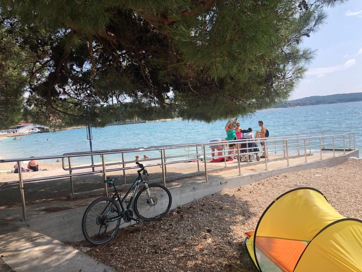 Bezbariérová pláž pre vozíčkarov v Chorvátsku