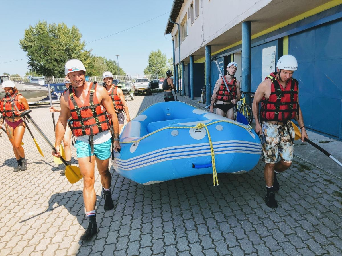 Rafting v Areáli divokej vody v Čunove