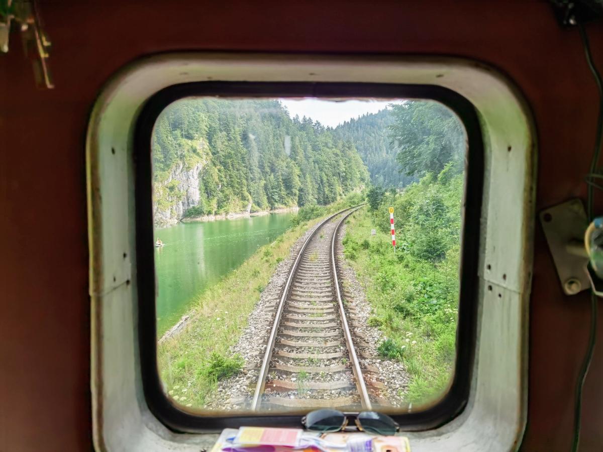 Horehronský Expres a výhľad na cestu
