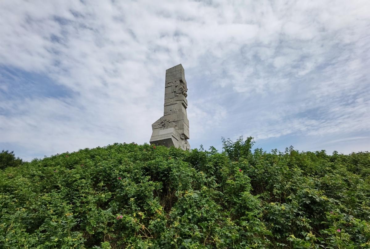 Pomník vo Westerplatte v Gdansku, fotené na Huawei P40 Pro.