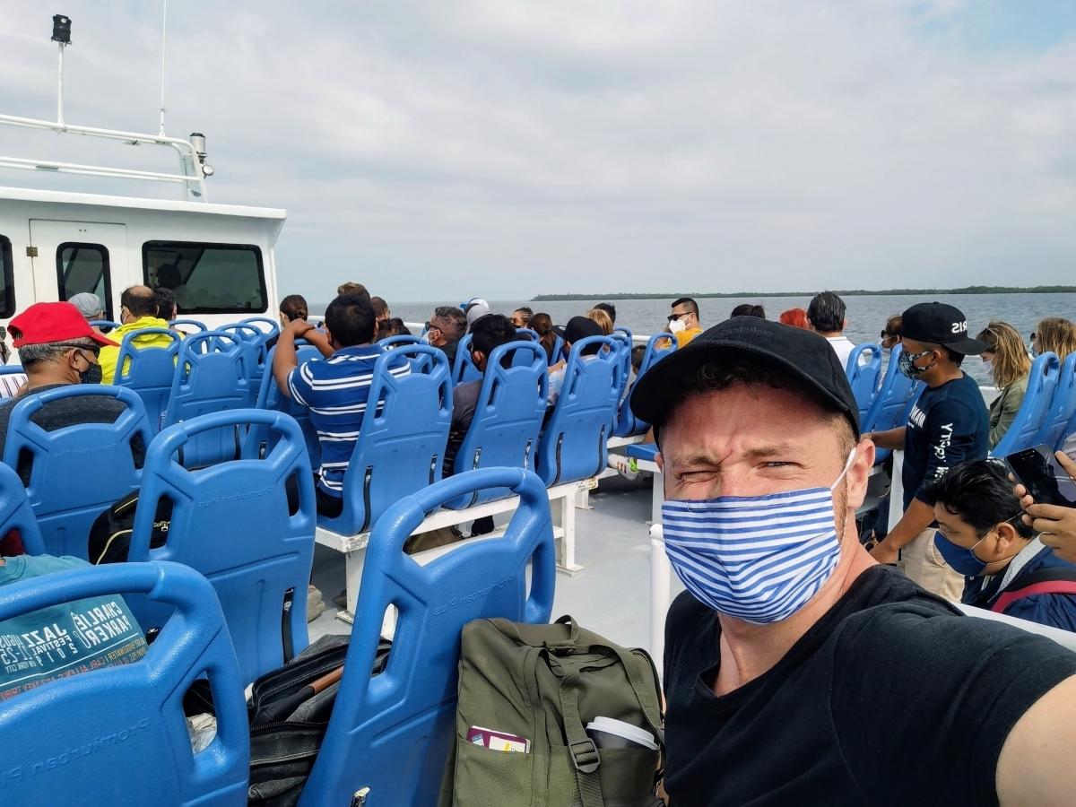 Ferry na Holbox z mesta Chiquilá