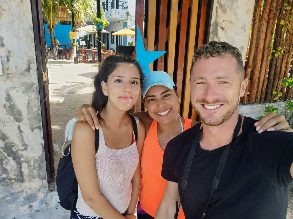 Staff v Che Hostel Holbox
