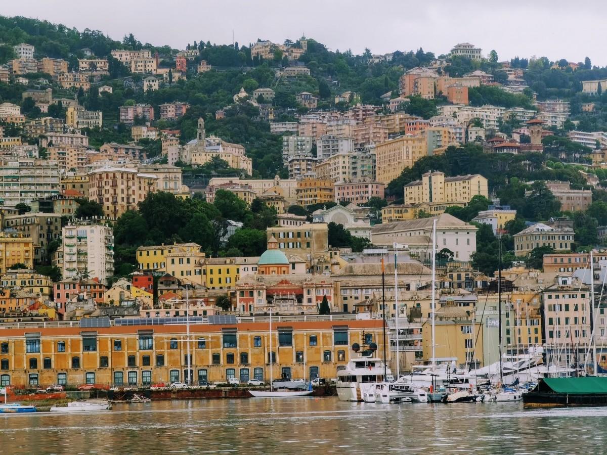 Pohľad z prístavu v Janove