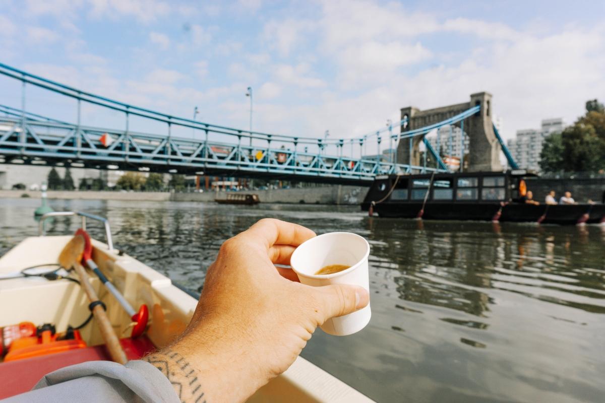 "Kaviareň na vode v ""Odra centrum"""